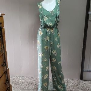 Xhilaration Green floral print pants romper